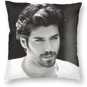 Cojin Can Yaman con el pelo corto, funda de cojín con cremallera, con la imagen del actor turco