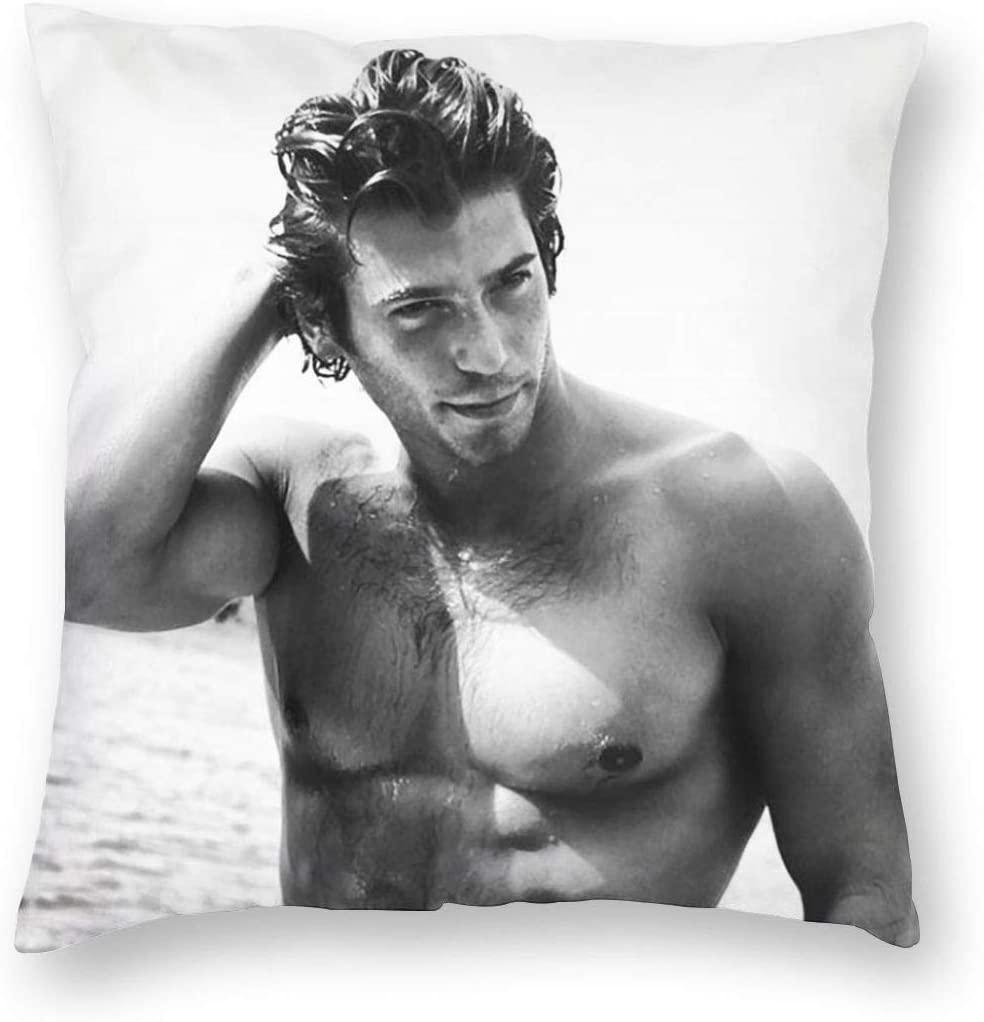 Cojín Can Yaman funda con cremallera con la imagen del actor turco, medidas 45x45 cm